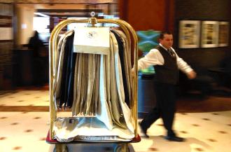 porter delivering - hilton - augustin - famoushotels
