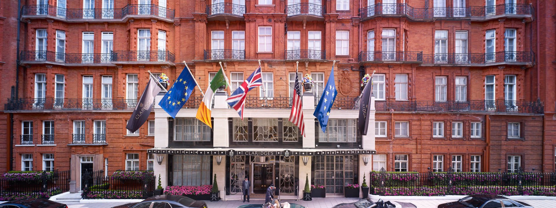 facade of clardiges hotel London